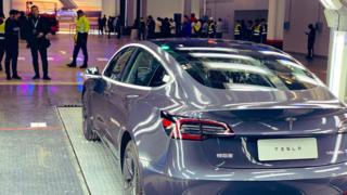 Tesla delivers its first 'Made in China' cars 1