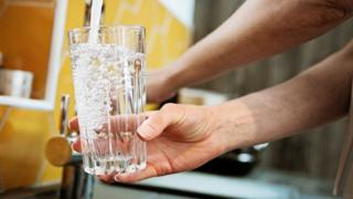 Water and sewerage bills set to fall by about £17 a year 2