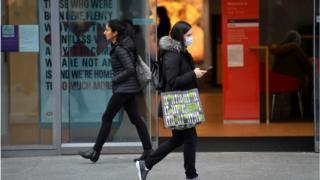 UK inflation picks up as clothing prices rise 1