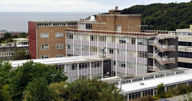 Aberystwyth University suspends face-to-face teaching 1