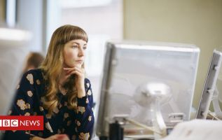 Senior jobs with flexible hours 'get 20% more female applicants' 3