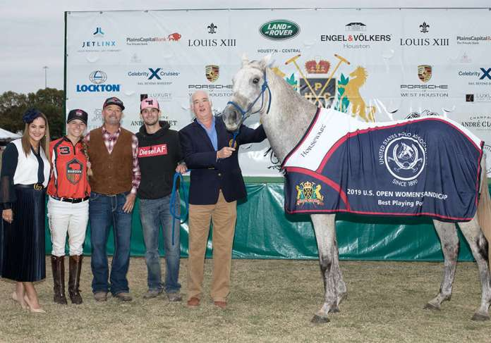 BPP Pro/ Natchez ridden by Audry Persano, presented by Liliana Crump, pictured with Cody Woodfin, Thomas Phelps and owner Steve Armour (9E2A3507) ©Kaylee Wroe-USPA