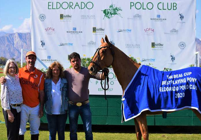 Best Playing Pony: Rumba, played and owned by Luis Saracco, presented by Karlene Garber, and pictured with Angela Russo and Dario Mucino.