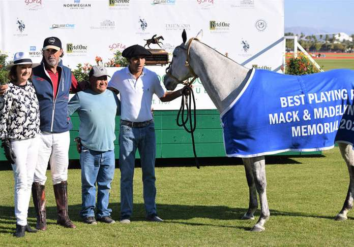 Best Playing Pony Paz, owned and played by Santiago Trotz. Pictured with Lyn Jason Cobb, Hernan Gauna and Margarito Flores.