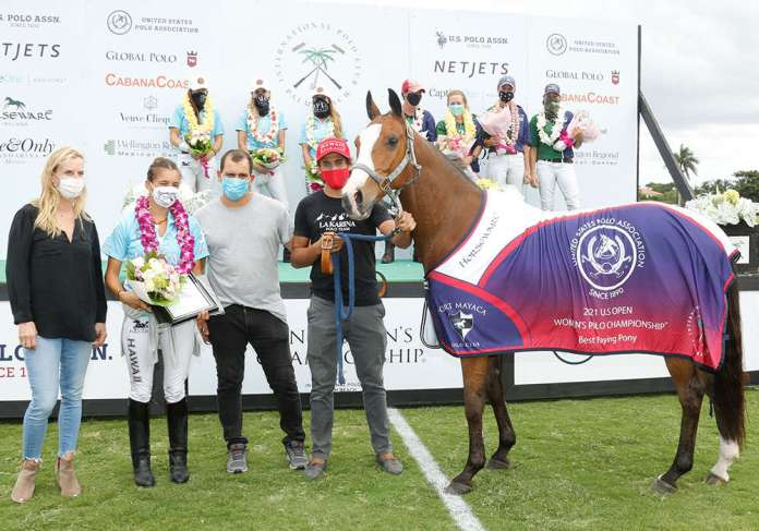 Best Playing Pony of the U.S. Open Women's Polo Championship® Final: El Pico, played by Mia Cambiaso. Presented by USPA Governor At Large Cecelia Cochran. Pictured with Andres Luna and Andres Diaz.