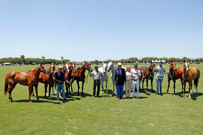 International Polo Club Best String of the Season: Hilario Ulloa, presented by Tommy Wayman, pictured with Monica Ulloa, Jayro Mendez, and Noe and Agustin Kuhun. (L to Right) Lavinia Castellana, Lavinia Cábala, Estrella, Picosita, Lavinia Alianza, Future Lituana, Caprichosa, Machitos Tecla, Vera, El Overo Charlotte, Lavinia Candileja.