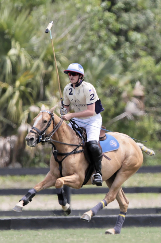 Rob Jornayvaz playing Jordie for Valiente. ©Gabrielle Stodd Photography