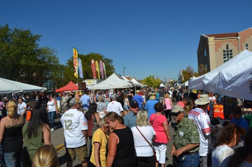 The street scene at the 2015 Chile Festival. (Credit: Sherrie Horn)