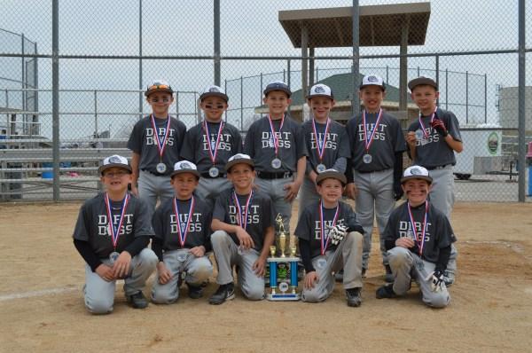 Dirt Dogs Softball Team