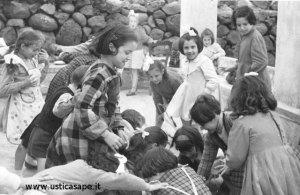 Bambine – preparazione colonia estiva