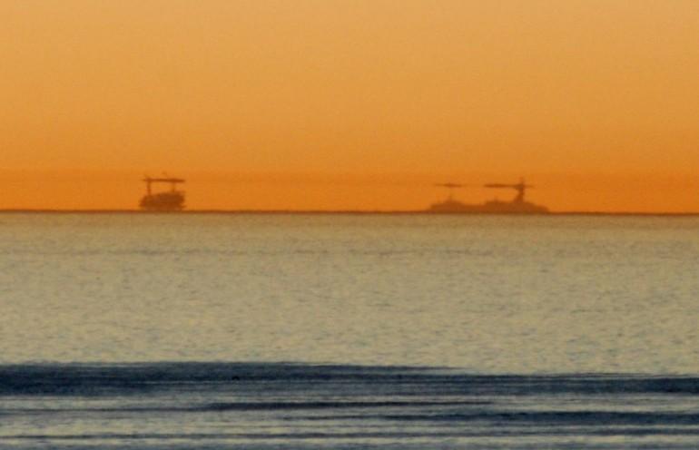 """Nel Golfo di Napoli spunta una 4^ isola: è il riflesso di Ustica, il """"miracolo"""" del basso Tirreno!"""