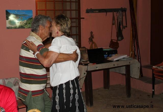 Ultimo tango appassionato nella terrazza del palmo ad Ustica