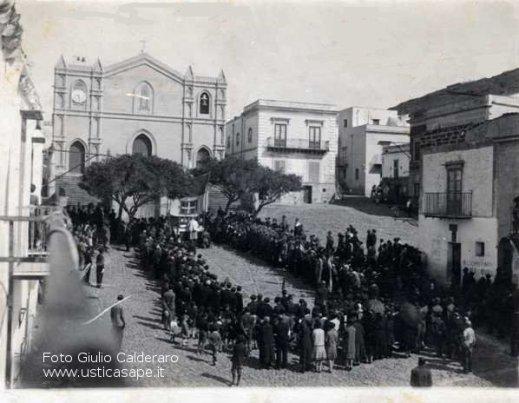 Celebrazione Santa Messa in Piazza
