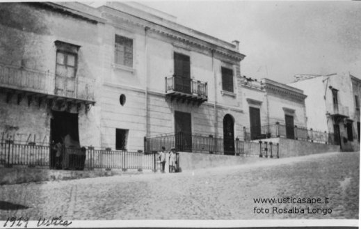 Ustica, case in piazza 1929
