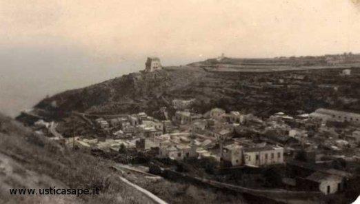Ustica vista dalla Falconiera molti anni fa