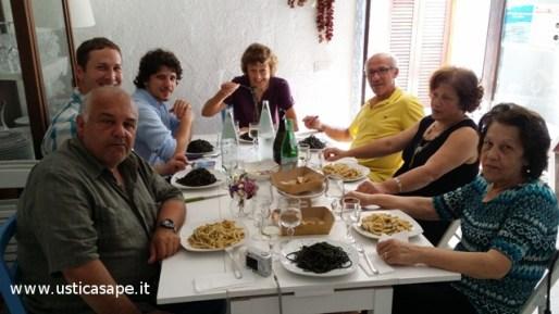 Pasta al nero di seppia per gli ospiti Americani