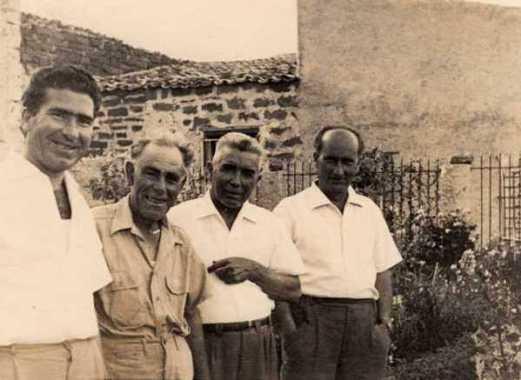 Foto ricordo - Montaperto, Compagno con amici