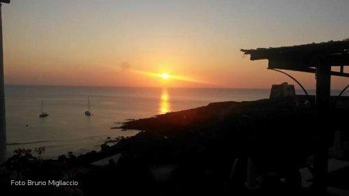 Ustica dallo  Spalmatore, tramonto