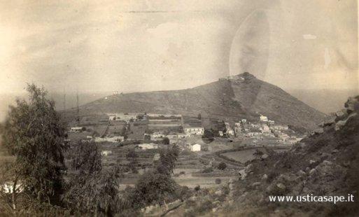 Vecchia foto panoramica di Ustica
