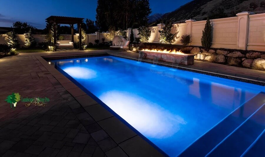 10 great ways to light a swimming pool