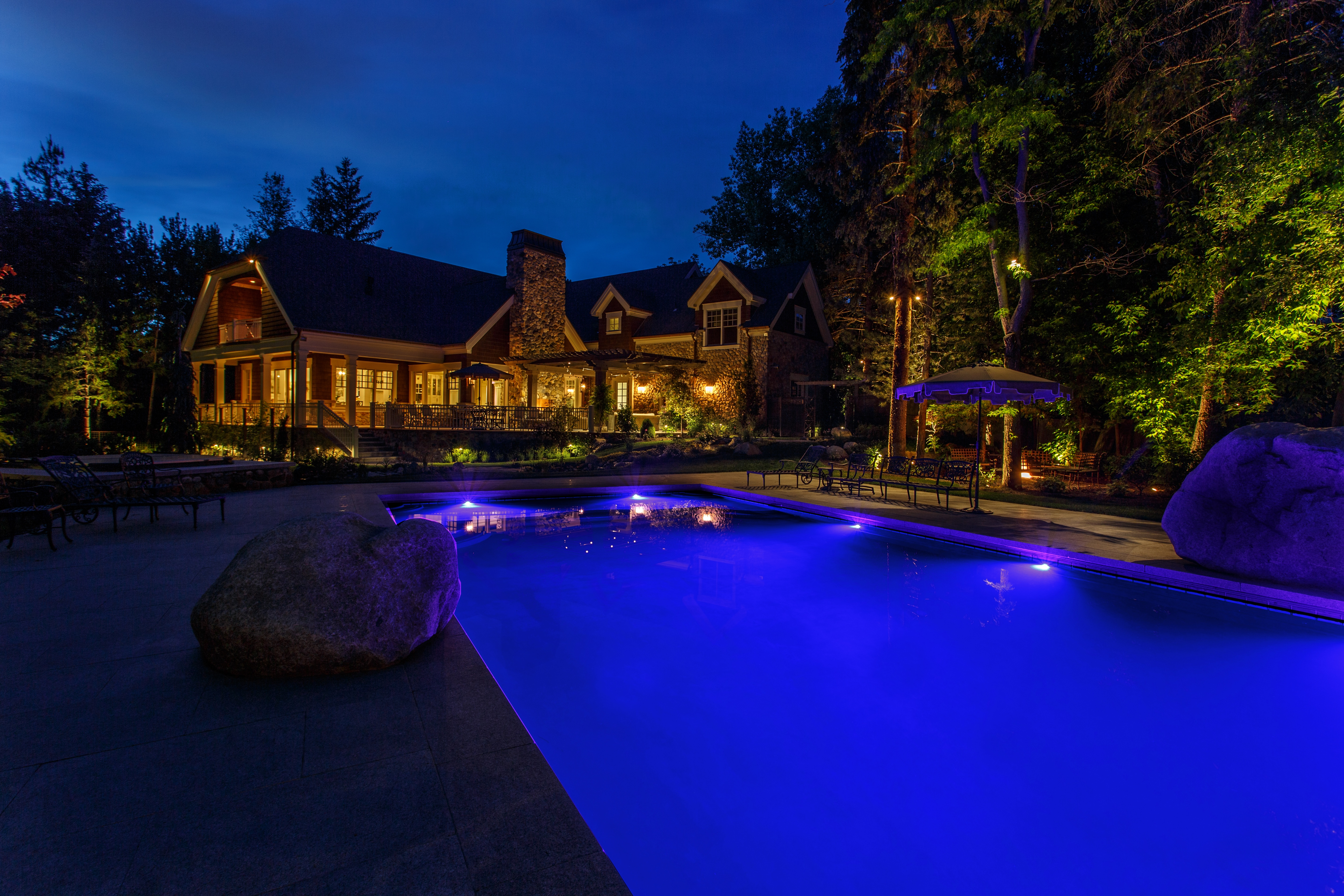 Enhancing Outdoor Living Spaces After Dark With Beautiful