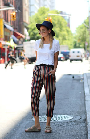 prugaste pantalone uz papuce
