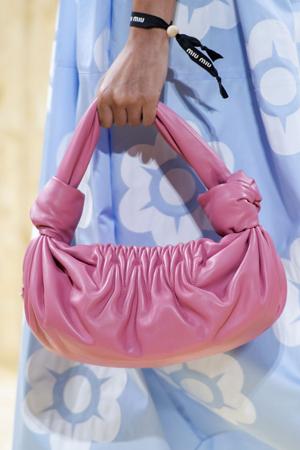 roze meka torba