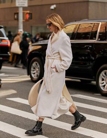 beli kaput na preklop