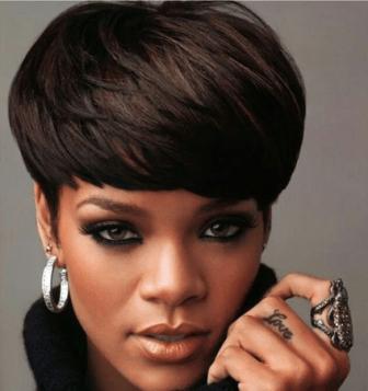 Rihanna tamnija varijanta bowl cut