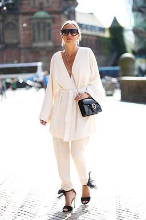 bela odeca od razlicitih materijala