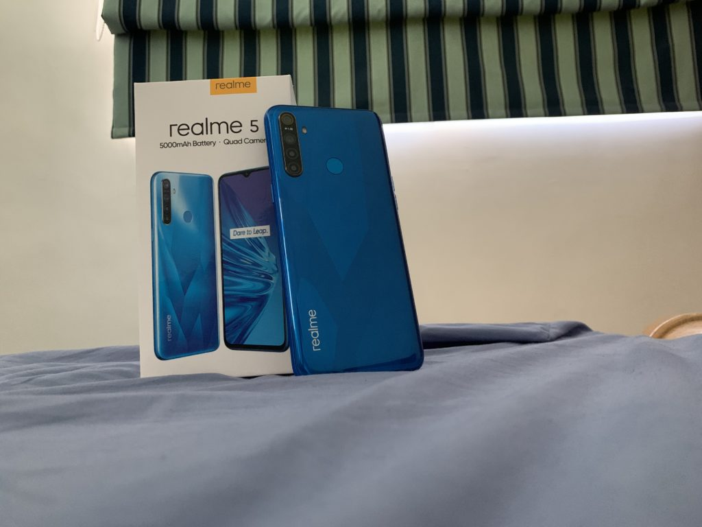 realme 5 first impressions with box