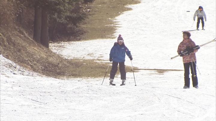 暖冬でスキー場の一部コース使用できず
