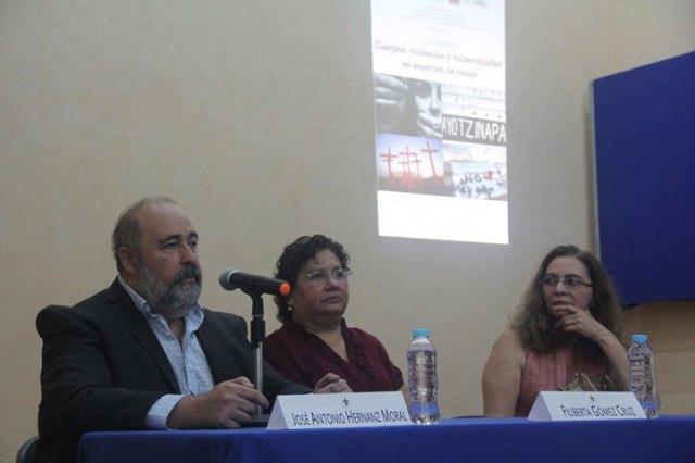 José Antonio Hernanz, Filiberta Gómez y Rosío Córdova inauguraron el evento académico