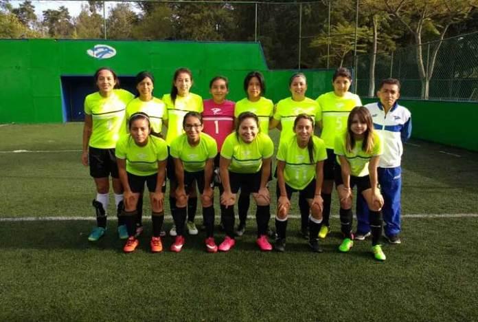 Integrantes de la Selección de Futbol Rápido Femenil de la UV