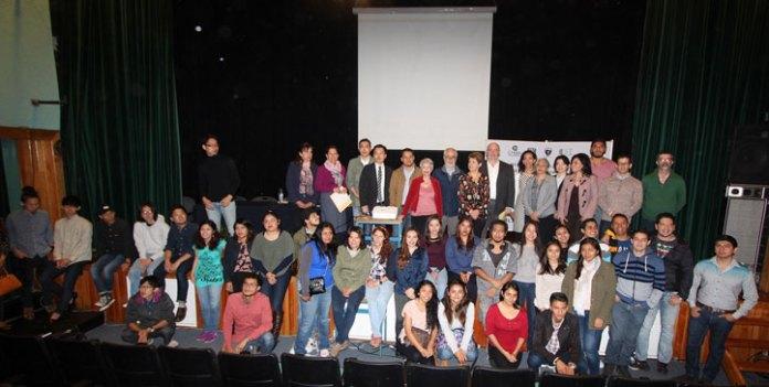 Estudiantes y académicos que participan en el XV Taller Ciudad y Convivencia