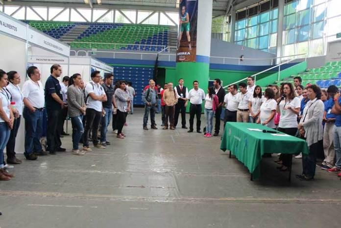 Rocío Liliana González informó que tres mil estudiantes de bachillerato participaron en Expo Orienta 2016