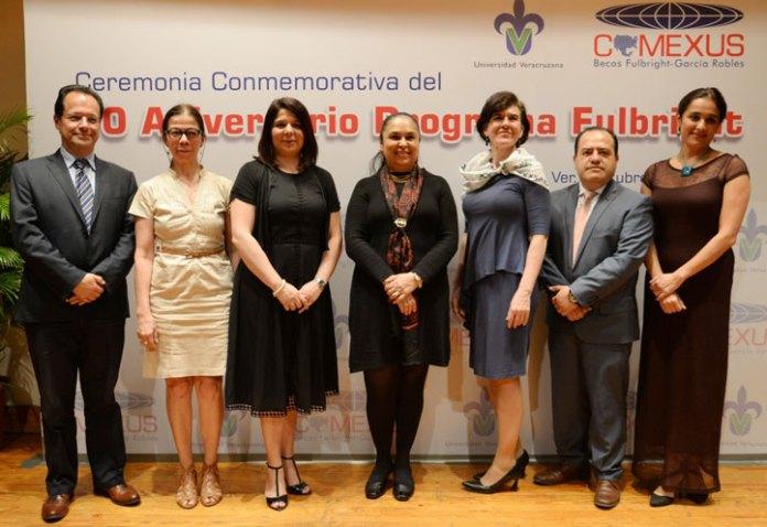 La rectora Sara Ladrón de Guevara encabezó la ceremonia del 70 aniversario del Programa Fulbright en México