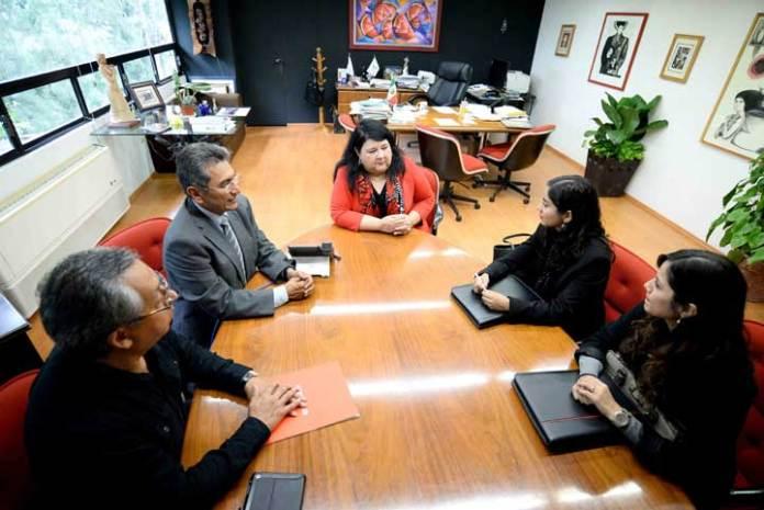 Clementina Guerrero agradeció la entrega de recursos realizada por Banco Santander