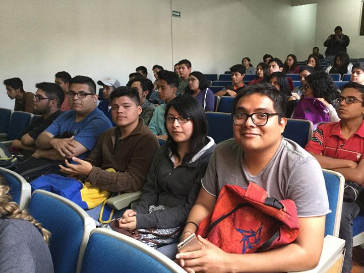 Al evento acudieron jóvenes de las facultades de Estadística e Informática y Economía
