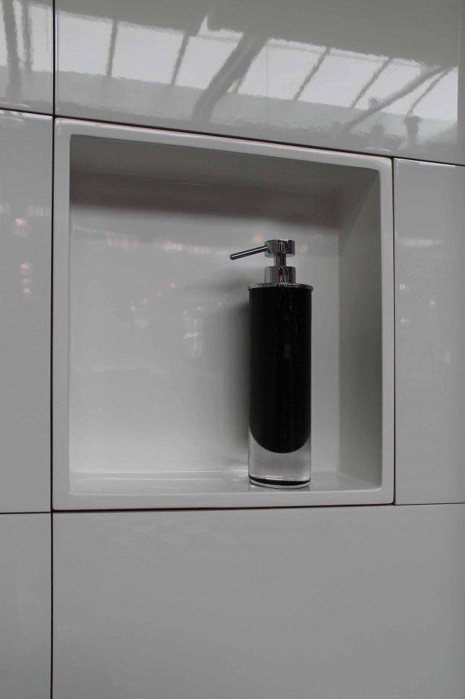 Luca muurnissen voor de badkamer Product in beeld