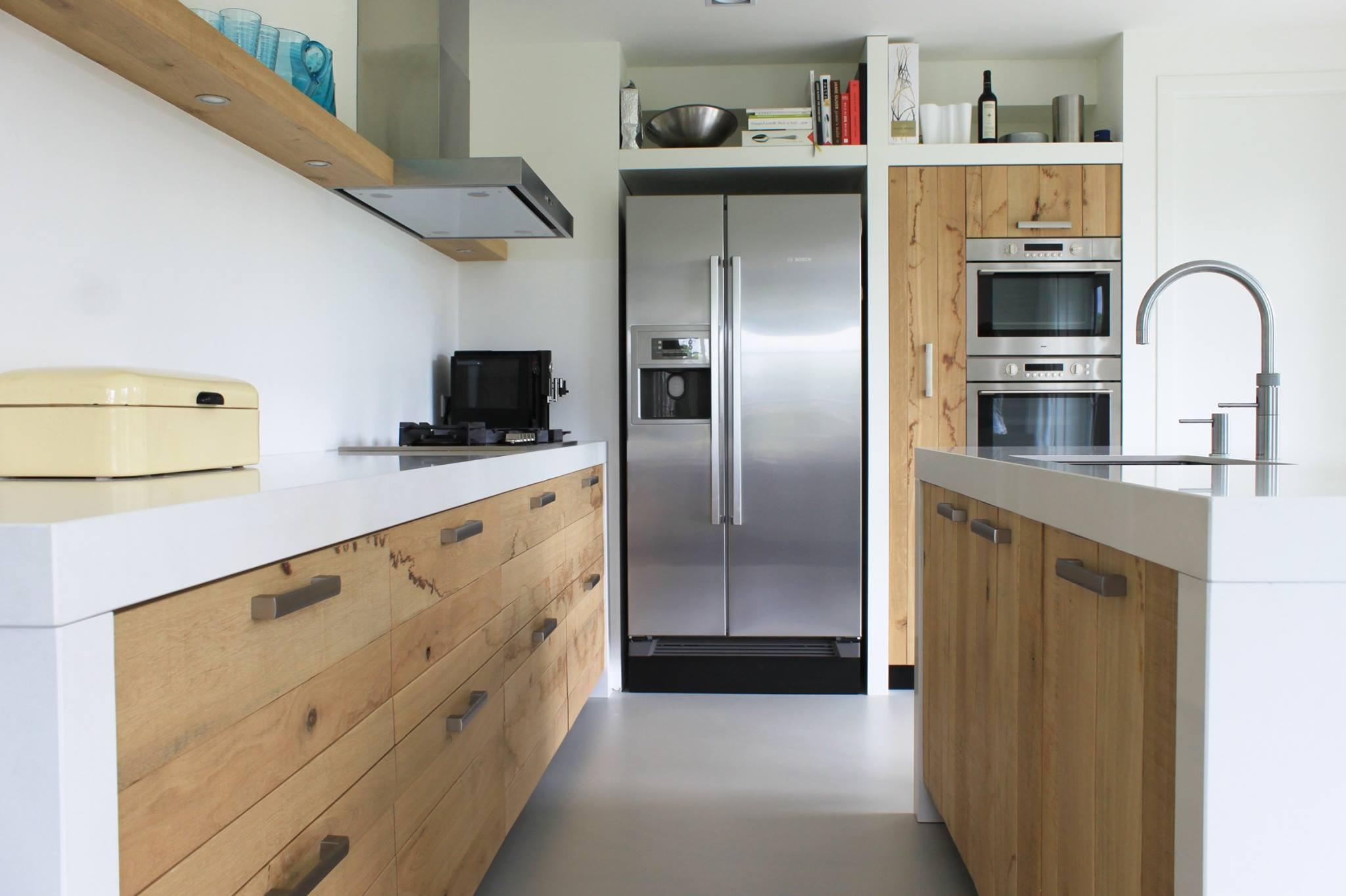 Moderne ruw eiken houten keukens met wit keuk  UW