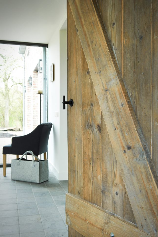 Deuren van oud hout op maat gemaakt  Nieuws Startpagina