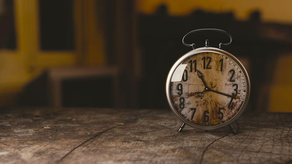 時計 帰宅時間が遅くなった旦那