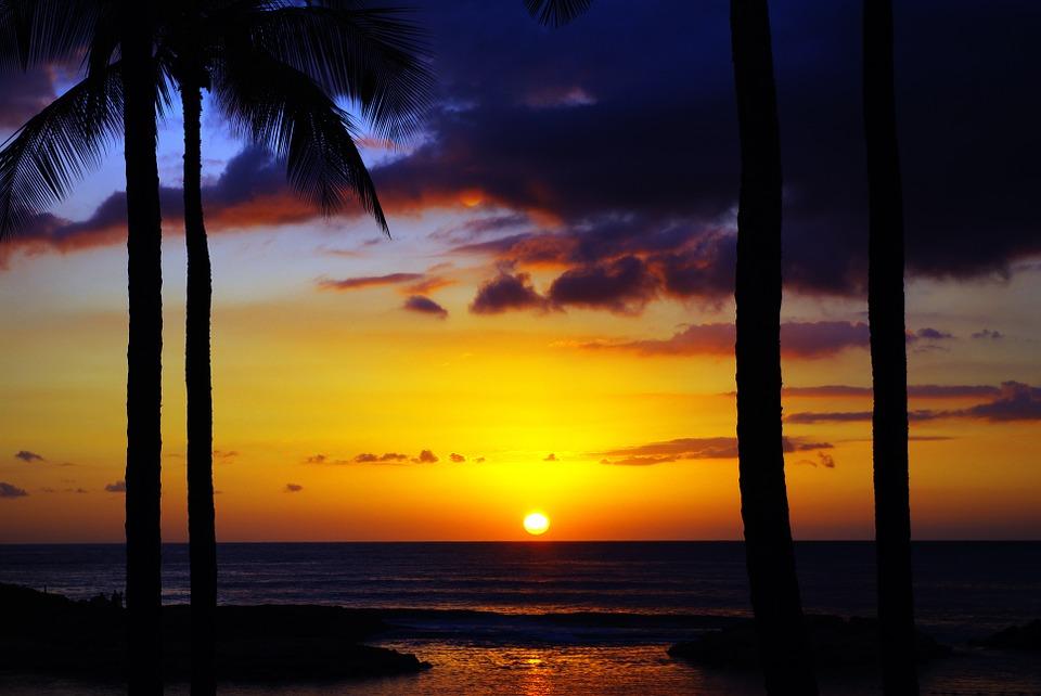 ハワイ 海 夕日