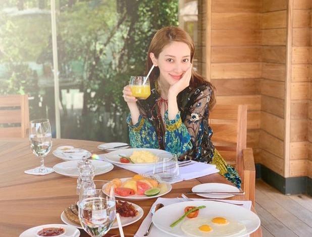 陳凱琳越南度假 曬懷孕7月巨肚美照 | 優1周 - UWeekly