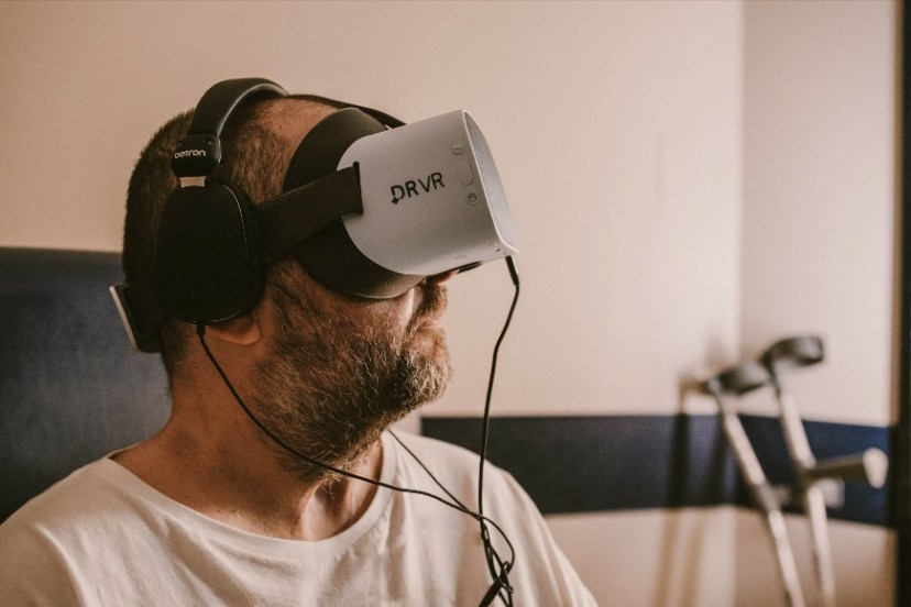 Putting VR to the Test: Assessing the Benefits and Overcoming the Challenges