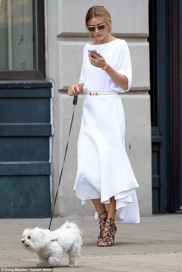 Miss Cara Delevigne white on white outfit