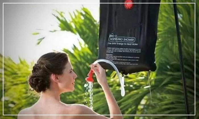 La douche solaire portable, laquelle choisir pour voyager ?