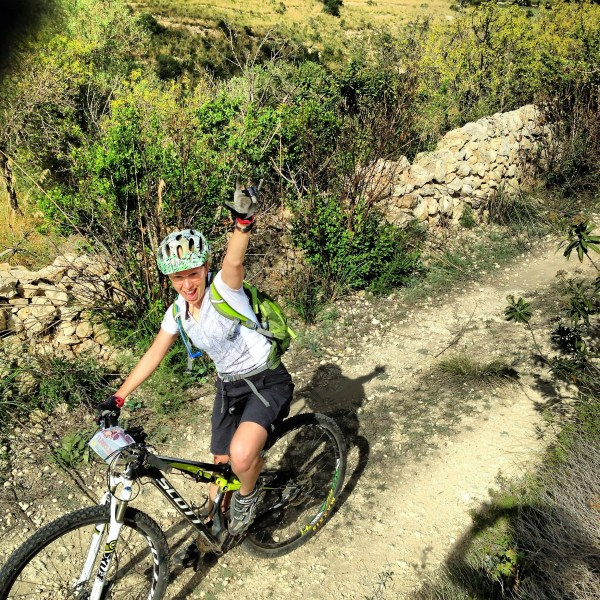 MTB tour solo per donne: in e-bike dall'Etna al Mare