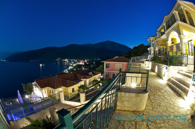 Kefalonia Bay Palace Hotel in Agia Efimia in Kefalonia